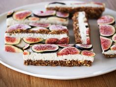 Raw Vanilla Coconut Fig Slice With Walnuts, Almonds, Desiccated Coconut, Flax. Fig Recipes, Raw Food Recipes, Dessert Recipes, Burger Recipes, Coconut Slice, Raw Coconut, Coconut Cream, Cashew Cream, Coconut Bars