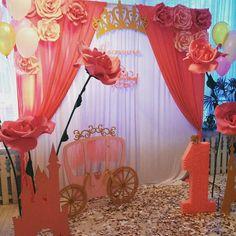 Backdrop Paper Flowers