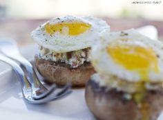 FingerFood per Sanbittèr #3: Teste di champignons ripiene con uova di quaglia - L'Appetito Vien Leggendo