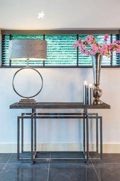 Sidetable Tuxedo is perfectly imperfect! De rand van het Acacia houten blad kan namelijk variëren, omdat het gaat om een natuurproduct. Het zilveren onderstel van staal zorgt voor een chique, stijlvolle uitstraling! #woonkamer #sohome #sidetable #RichmondInteriors #chique #livingroom #interior123 #interior125 #interiorstyling #interiors #inspire_me_home_decor #interior #interior4all #interiordesign #interiorwarrior #homesweethome Richmond Interiors, Acacia Wood, Rental Property, Home Collections, A Table, Entryway Tables, Furniture Design, Contemporary, Interior Design
