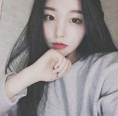 Image about girl in Ulzzang by Luxur¥ on We Heart It Cute Korean, Korean Girl, Ulzzang Fashion, Korean Fashion, Hong Young Gi, Cute Asian Girls, Cute Girls, Korean Beauty, Asian Beauty