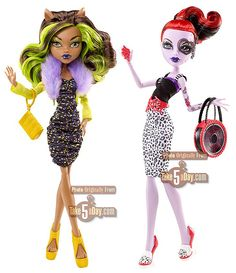 meet clawdeen and oppereta!   clawdeen  shes bound to howl at the moon on a great night  oppereta  shes the best on roller blades she played scream what is scream?  a sport!