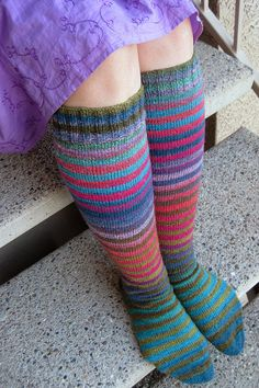 I love stripey socks! Crochet Socks, Knit Or Crochet, Knitting Socks, Hand Knitting, Knit Socks, Cute Socks, Colorful Socks, Knitting Accessories, Knitting Patterns Free