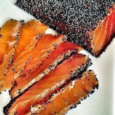 Gravlax with Poppy Seeds & the little story of mustard and honey sauce (and the real Gravad lax or Gravlax recipe) (Les Cuisines de Garance) - Entrée - Raw Food Recipes Salmon Recipes, Raw Food Recipes, Fish Recipes, Gravlax Recipe, Salty Foods, Dehydrated Food, Buzzfeed Food, Sashimi, Fish And Seafood