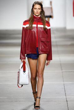 Topshop Unique – Spring 2015 RTW Spring Fashion Trends, Fashion Week, Fashion Show, Sporty Chic, Dope Fashion, Sport Fashion, Unique Fashion, British Fashion Brands, High Street Fashion