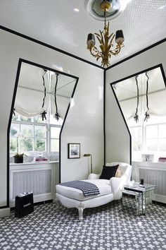 Black and White - Design Chic #HomeDecorators #Homes #bedroomideas