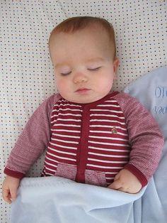 A melhor posição para o bebê dormir