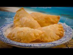 Πιταράκια Μηλέικα - Τυροπιτάκια με τυρί Μήλου - YouTube