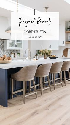 Family Room Decorating, Family Room Design, Interior Design Courses, Home Interior Design, River House Decor, Farmhouse Family Rooms, Living Room With Fireplace, Modern Kitchen Design, Beautiful Kitchens