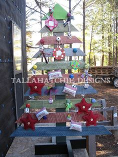 Reclaimed Wood Pallet Christmnas Tree by TallahatchieDesigns, $75.00