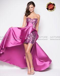 http://www.dstoreusa.com.br/pt/vestido-curto-em-paeta-com-cauda-lita-9508-2022.html