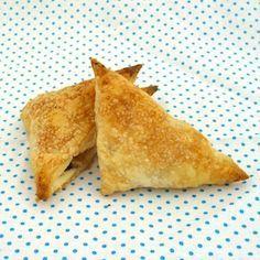 Zo gemaakt: appelflappen! Lekker recept voor kinderen. http://dekinderkookshop.nl/recipe-items/mini-appelflapjes/