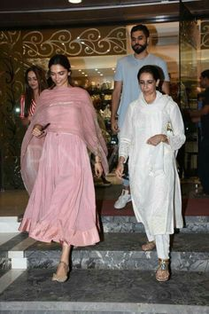Indian designer outfits - Deepika Padukone goes wedding shopping with her mother These PHOTOS say it all Anarkali Dress, Pakistani Dresses, Indian Dresses, Salwar Kurta, Anarkali Suits, Punjabi Suits, Ethnic Outfits, Indian Outfits, Indian Attire