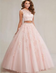Pretty quinceanera dresses, 15 dresses, and vestidos de quinceanera. We have turquoise quinceanera dresses, pink 15 dresses, and custom quince dresses! Sweet 15 Dresses, Pretty Dresses, Beautiful Dresses, Sweet Sixteen Dresses, Quince Dresses, Ball Dresses, Ball Gowns, Quencenera Dresses, Dresses 2016