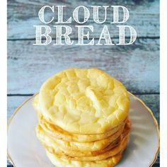 材料  全卵(3個)  クリームチーズまたはカッテージチーズ(大さじ3)  クリームオブターター(少々)※膨らませるためのものなのでベーキングパウダーでもOK  ①全卵を黄身と白身にわけ、角が立つくらいのメレンゲになるまでしっかり泡立てる。(卵白を少し凍らせ、塩をひとつまみ加えるとるとしっかりとしたメレンゲになります) ②卵黄とクリームチーズを混ぜた液にベーキングパウダー、またはクリームオブターターを加えて混ぜる。そこにメレンゲを3回に分け入れ、さっくりと混ぜあわせる。 ③角皿にクッキンシートを敷き、10cmくらいの大きさに丸く生地を成形していきます。150℃~170℃に温めたオーブンで40分ほど焼いて出来上がり。 11355015 950224918365791 66926840 n.jpg?ig cache key=mte4otcyodk2odazndg3mzaymg%3d%3d.2
