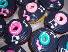 Gourmet cupcakes, custom cupcake delivery. Cupcakes in Dallas for weddings, birthdays, baby showers Call 972-999-9262