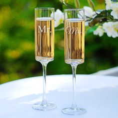 Engraved Mr. and Mrs. Contemporary Champagne Flutes for the Wedding reception, Mr and Mrs., I Do, Champagne toast