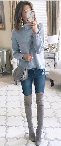 40 Winter Outfit Ideas That Are Genius Choice - We Should Do This #womenclotheswinter #winteroutfits