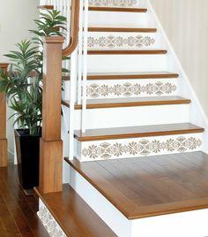 idée de décoration d'escalier en bois