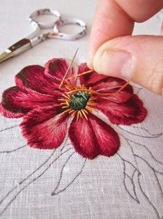 Wonderful Ribbon Embroidery Flowers by Hand Ideas. Enchanting Ribbon Embroidery Flowers by Hand Ideas. Embroidery Needles, Silk Ribbon Embroidery, Crewel Embroidery, Vintage Embroidery, Cross Stitch Embroidery, Flower Embroidery, Embroidery Hoops, Simple Embroidery, Japanese Embroidery