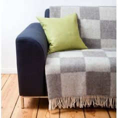 Hochwertige Decken online kaufen | URBANARA