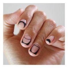 #유니스텔라공간네일 #블랙네일 로 #이보다더깔끔할수있을까요 공간배열도 세련미 팡팡 #wed_uninail #라인네일 #blacknails #spacenails #유니스텔라 #unisedit_Hong