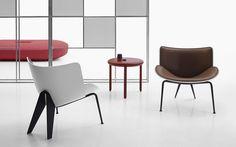 Sillón pequeño tapizado de cuero de estilo moderno DO-MARU by B&B Italia diseño Doshi Levien