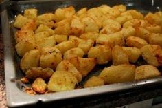 The baked potatoes Spiro Greek Recipes, Quick Recipes, Cooking Recipes, Think Food, Food For Thought, Vegetable Dishes, Vegetable Recipes, Greek Cooking, Appetisers