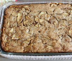 Cake with apple, Fall Dessert Recipes, Fall Desserts, Cupcake Recipes, Cookie Recipes, Apple Pie Recipe Easy, Apple Pie Recipes, Caramel Apple Cupcakes, Caramel Apples, Pudding Cake