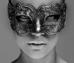 Engraved metal mask