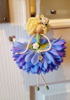 Fairy Crafts, Flower Crafts, Diy Flowers, Ballerina Ornaments, Pipe Cleaner Crafts, Fairy Figurines, Miniature Crafts, Tiny Dolls, Flower Fairies