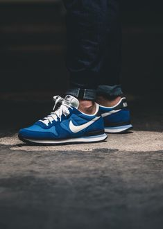 Nike Dress Shoes, Nike Shoes, Shoes Sneakers, Nike Internationalist, Sneakers Fashion, Fashion Shoes, Sneaker Store, Exclusive Sneakers, Look Man