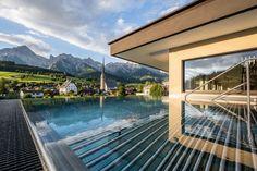 😍💥 WIR BEGRÜßEN UNSER NEUES LEADING SPA RESORT: DIE HOCHKÖNIGIN- MOUNTAIN RESORT IM SALZBURGER LAND / ÖSTERREICH! 🤩🇦🇹 ❤-lich Willkommen in der Leading Spa Resorts Familie! #leadingsparesorts #leadingspa #wellness #wellnesshotel #wellnessurlaub #hotelinsalzburg #salzburgerland #urlaubinsalzburg #urlaubinoesterreich Superior Hotel, Mountain Resort, Spa, Hotels, Mansions, House Styles, Outdoor Decor, Home Decor, Summer Vacations