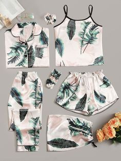 To find out about the Tropical Print Satin Pyjama Set at SHEIN, part of our latestPajama Sets ready to shop online today! Cute Sleepwear, Sleepwear Women, Pajamas Women, Cute Pajama Sets, Cute Pajamas, Satin Pyjama Set, Satin Pajamas, Mode Kimono, Fashion Clothes