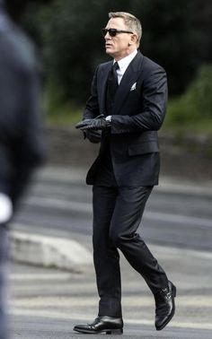 Navy Blue Windowpane Suit For Men Daniel Craig, Mr. wearing Tom Ford and Double Monkstrap bootsDaniel Craig, Mr. wearing Tom Ford and Double Monkstrap boots Tom Ford スーツ, Tom Ford Suit, Black Three Piece Suit, Black Suit Men, Mens Fashion Suits, Mens Suits, Groom Suits, Groom Attire, Man Style