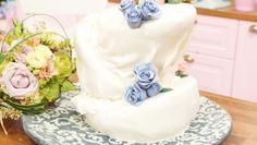 In Danielas Hochzeitstorte sind Lavendel und Himbeeren die aromatischen Trauzeugen.