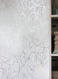White & Silver wallpaper