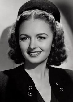 Donna Reed (close)