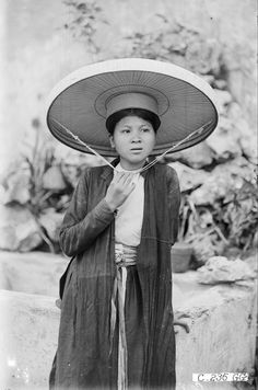 Vietnamese Clothing, History, Clothes, Outfits, Historia, Clothing, Kleding, Outfit Posts, Coats