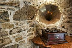 gramaphone  looks like mine