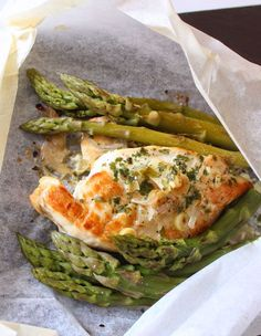 Adapted from campfire cooking, this quick recipe turns out deliciously aromatic, succulent chicken, along with tender asparagus. The good news is that there's little prep, and virtually no clean-up!  | eatwell101.com