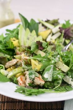 Warm Chicken, Chayote and Mango Salad.wonder if Jicama would work too? Healthy Meals To Cook, Healthy Salads, Healthy Cooking, Healthy Eating, Healthy Recipes, Healthy Foods, Healthy Life, Chayote Recipes, Bon Ap