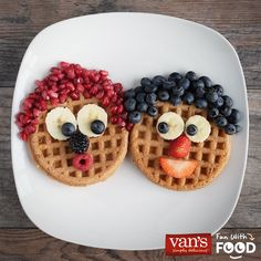 Herd in a wholesome breakfast with Baaaa-nana Sheep Waffles! Grab a box of Van's and slice up some fresh fruit for this playful breakfast creation. Cute Snacks, Cute Food, Good Food, Yummy Food, Food Art For Kids, Toddler Snacks, Food Crafts, Food Humor, Breakfast For Kids