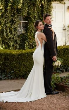 932 Chic Backless Wedding Gown by Martina Liana