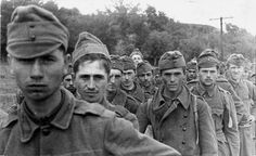 Hungarian prisoners captured on their way to Stalingrad in 1942 (German allies) | by Photo Tractatus
