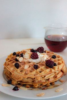 Pumpkin Spice Waffles with Caramelized Almonds | A Girl in LA