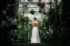 Ve skleníku jen se svědky — Víťa Malina | svatební fotograf Wedding Photography, Wedding Dresses, Bride Dresses, Bridal Gowns, Wedding Dressses, Wedding Photos, Bridal Dresses, Wedding Pictures