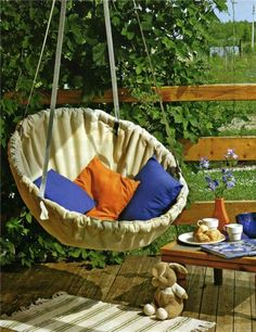 Link doesn't work :( Diy hanging circle chair Love the idea. Gotta find the DIY instructions somewhere else Diy Garden Furniture, Diy Outdoor Furniture, Furniture Projects, Outdoor Chairs, Swing Chairs, Garden Chairs, Adirondack Chairs, Retro Furniture, Outdoor Lounge
