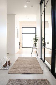 #eteinen #eteisensisustus #juuttimatto #käytävä #hallway #frontdoor #corridordesign