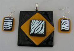 HANDMADE DICHROIC + ART GLASS FREEFORM PENDANT ETC: FUNKY + FUN RETRO DESIGN !